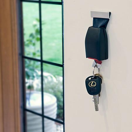 porta llaves cinturon de seguridad