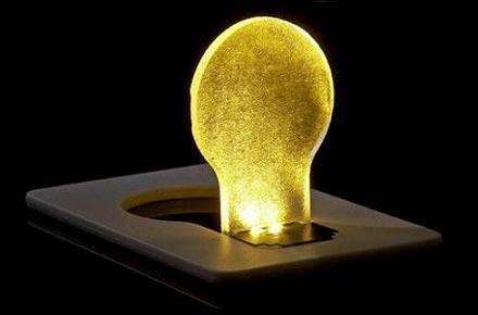 Lampara friki de bolsillo: Tarjeta crédito luz LED