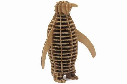 Pingüino de cartón ecológico