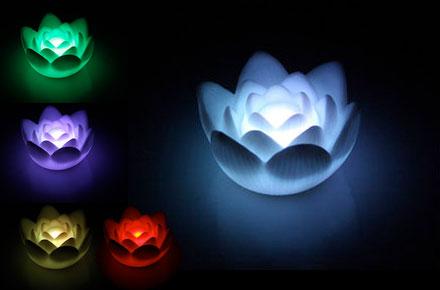Lámpara multicolor con forma de Flor de Loto