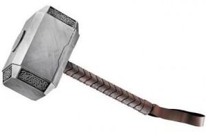 Disfraces frikis para Halloween 2012: Réplica Mjolnir, Thor