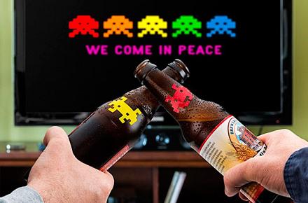 Indicadores para bebidas Space Invaders