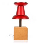 Lámpara con forma de chincheta
