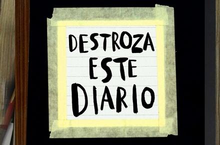 """""""Destroza este diario"""""""