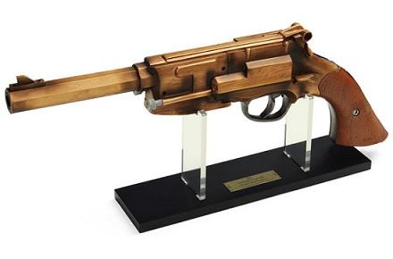 Réplica de la pistola de Mal Reynolds, Serenity y Firefly