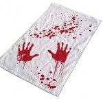 Toalla de manos sangrientas