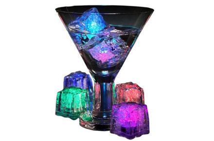 Regalos frikis de Navidad: Cubitos de hielo con luces de colores