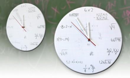 Reloj de ecuaciones, un regalo friki para matemáticos