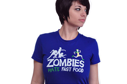 "Camiseta ""Zombies hate fast food"""