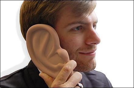 Funda para iPhone con forma de oreja