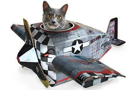 Juguetes de cartón para gatos frikis