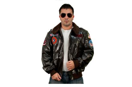 Chaqueta Top Gun con gafas de aviador
