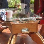 Mesita de café con furbolín