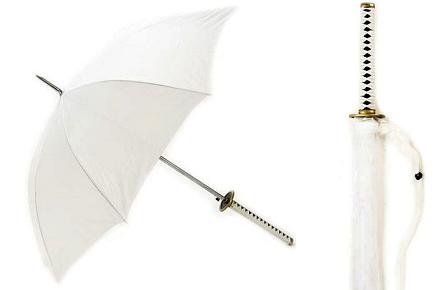 Paraguas con forma de katana blanca