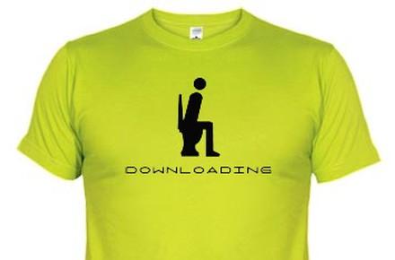 Camiseta Donwloading