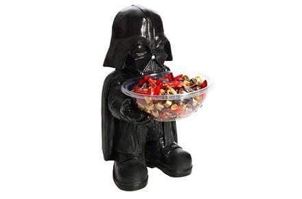 Darth Vader ofrece caramelos