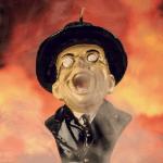 Vela con forma del agente nazi Toht de Indiana Jones